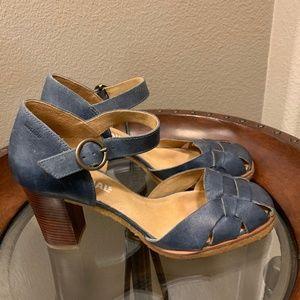 Clarks Original Retro Woven Design Heels